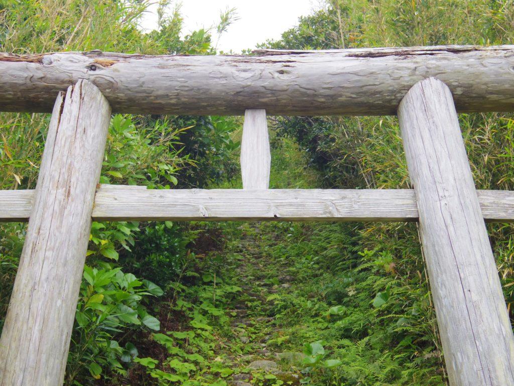 大里神社の鳥居(アップ)