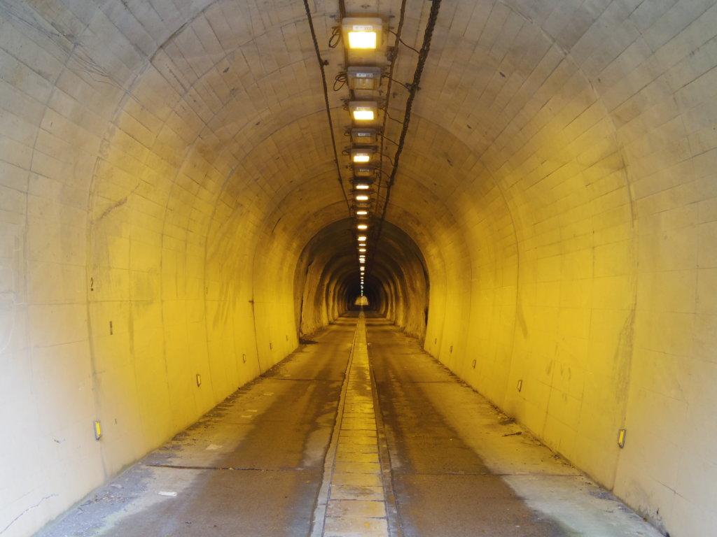 青宝トンネル3