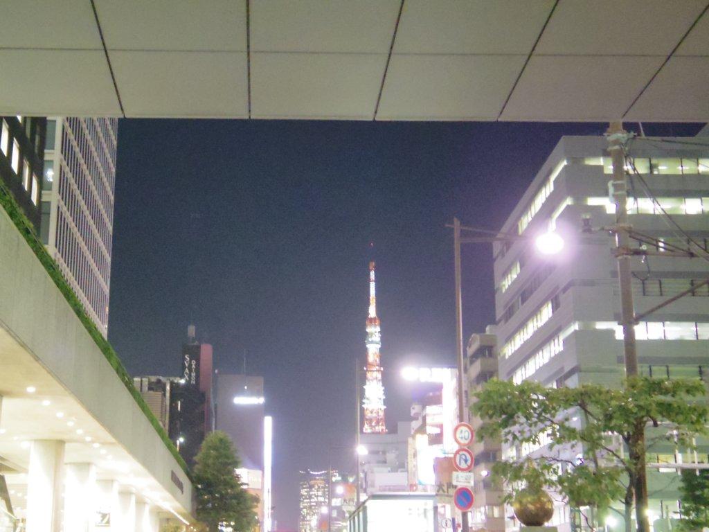 浜松町駅と東京タワー