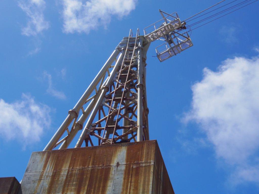 サビついた鉄塔