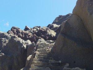 岩場の階段