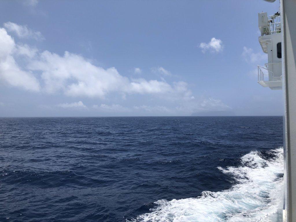 あおがしま丸の甲板からの景色